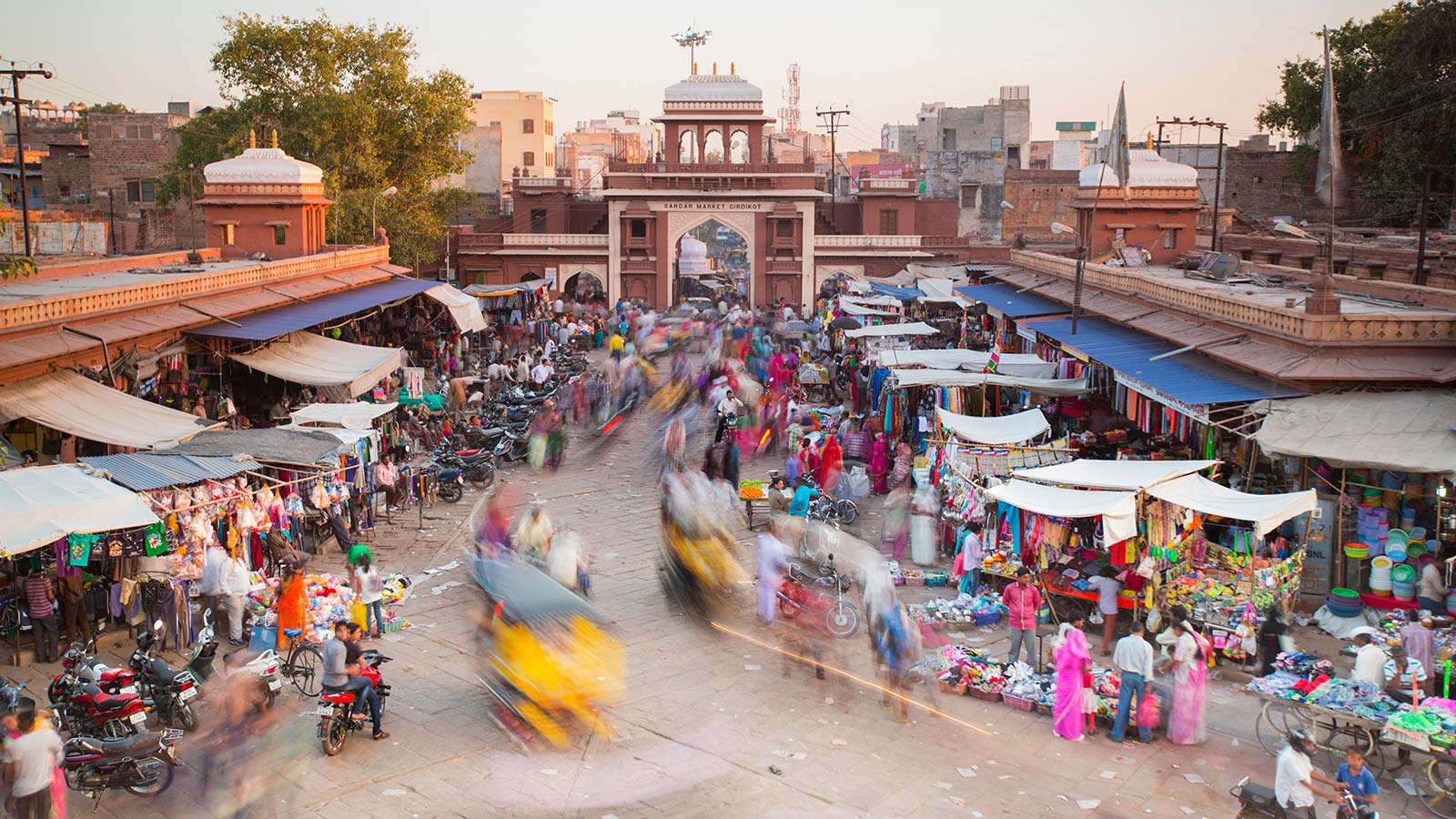 Image of street scene in India
