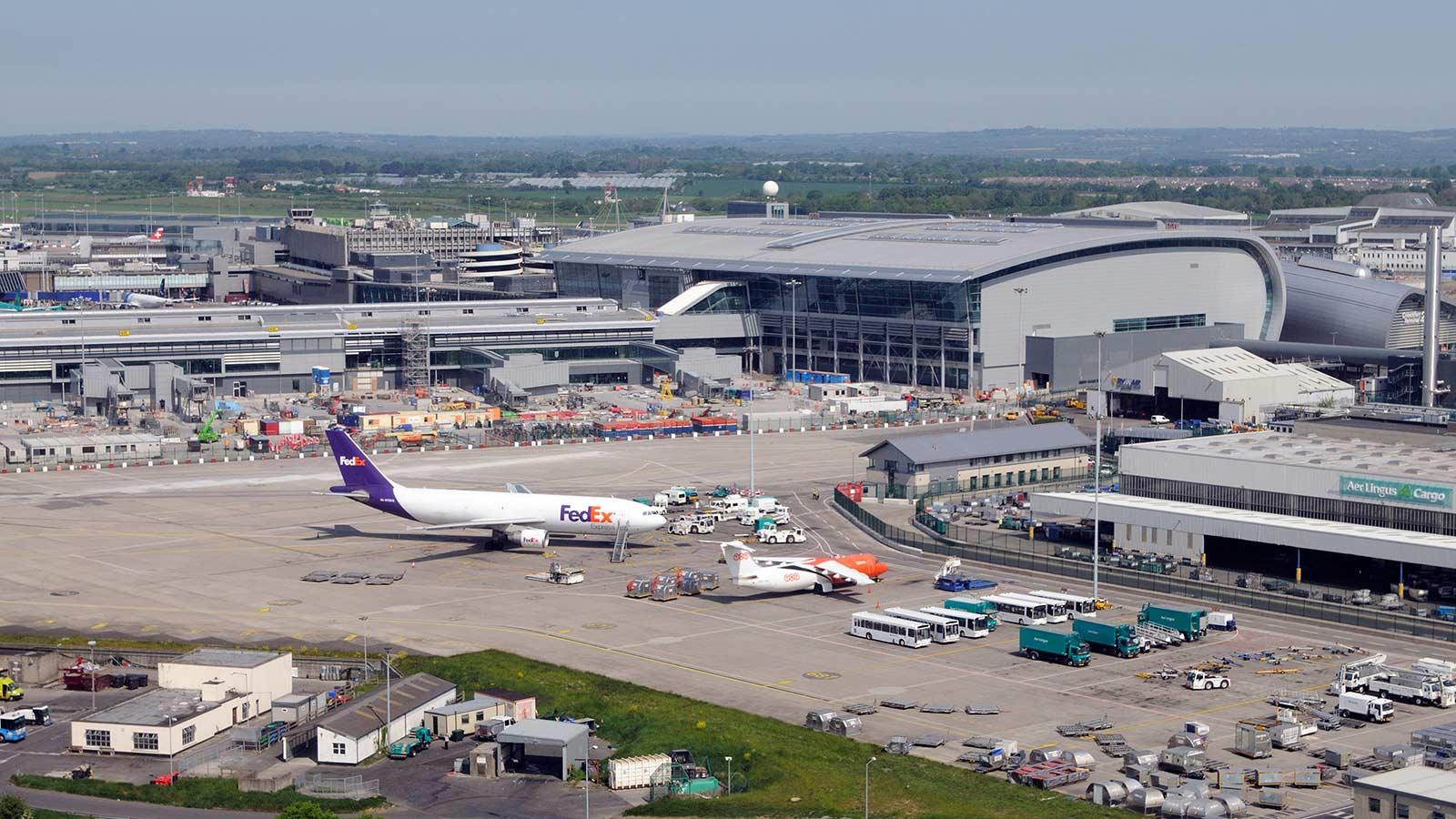 https://www.macegroup.com/-/media/mace-dotcom/images/projects/dublin-airport/dublinairport_4.ashx?w=1600&h=900&as=1&crop=1&hash=B13885611DE3F61FC1E76CE2B6C9EACF493F1CB9